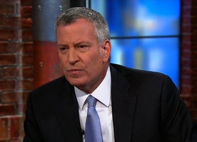 Prosecutors question NYC mayor in federal probe