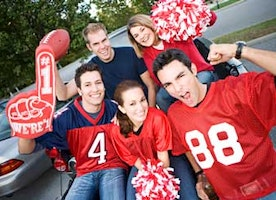 5 Ways To Find Mr. Right By Appearing To Be A Football Fan