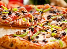 How Much to Tip Drivers for Pizza Delivery and Other Food