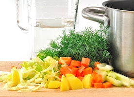 Slow Cooker Cabbage Soup: Benefits And How To Make One?