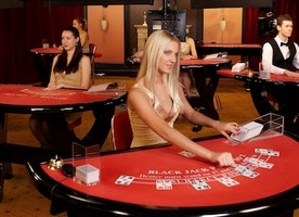 How to Play at a Casino - The Right Way