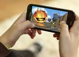 How has technology evolved in mobile gaming?