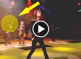Backup Singer For The Rolling Stones Quickly Steals Spotlight When Asked To Sing Centerstage
