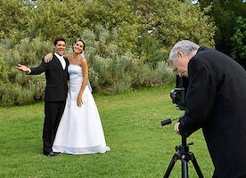 How to find an experienced wedding photographer in Brisbane?