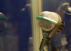 Functioning and Features of Dynamic Microphones