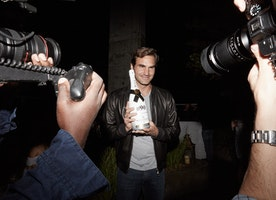 #HotPicOfTheDay: Roger Federer Breaks from the Miami Open with Moët & Chandon