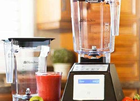 Blendtec vs Vitamix Blender Reviews