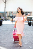 Want To Know How To Travel In Style & Comfortable? We've Got you covered . Here's How To Balance Flights In Stilettos!