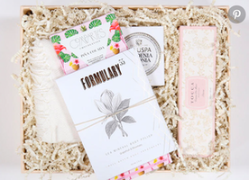 21 Gifts to Give Your Newly Engaged BFF