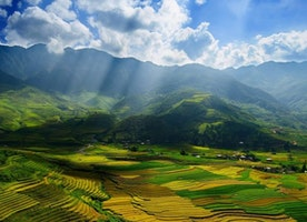 The reasons why Western tourists love trekking in Sapa