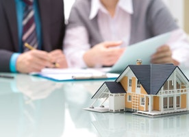 The importance of getting a Real Estate Lawyer while purchasing a residence