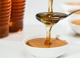 Sweet and Sticky: The Healthy Benefits of Honey