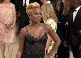 Post-Divorce Mary J. Blige Attends The 2017 Met Gala In La Perla Haute Couture
