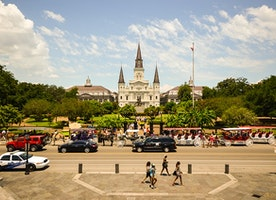 Single Women Travelers to New Orleans - 2017