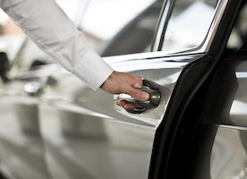 Do you really know Why Gatwick Airport transfer Service is better for Executive Passengers?
