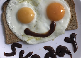 Forget Cloud Eggs - It's ALL about Face Eggs