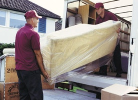 11 Important International Moving Tips