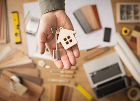 13 Essential Things to Look for When Buying Your First House