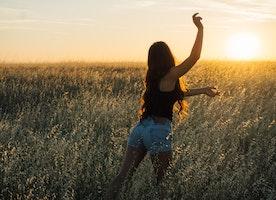 30 Beliefs Happy People Live By