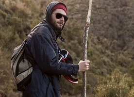 Select your desired hiking stick online now in a simple way